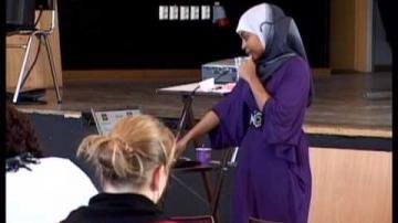 ÖKV Play - En fråga om heder: Najla Ahmed från systerjouren Somaya, del 2