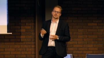 Utvandrarna, Invandrarna, Nybyggarna del 5 - Flykten till Sverige