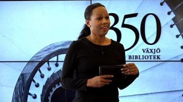 Växjö bibliotek 350 år - Alice Bah Kuhnke besöker biblioteket