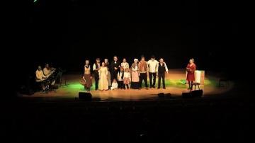 Folkmusikalen Hemstannarna - drömmen om ett bättre liv (akt 1)